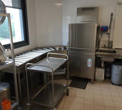 Système de nettoyage plateau restauration